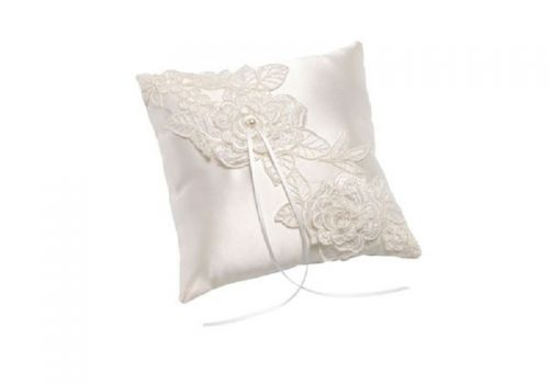 Ring Cushion with 3D Lace Flowers