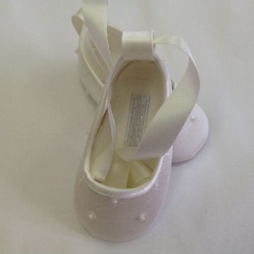 Ballerina Shoes with Pearl Beads